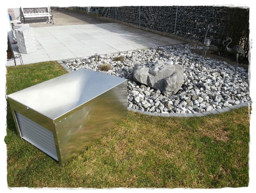 rasenroboter rolltor mower garage alu und color der sichere schutz seite 2. Black Bedroom Furniture Sets. Home Design Ideas